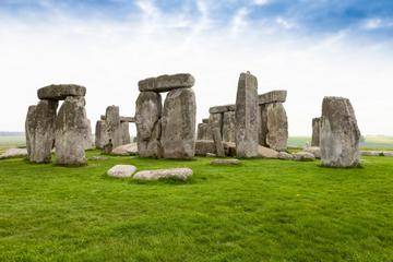 stonehenge-windsor-castle-bath-and-medieval-village-of-lacock-in-london-151436