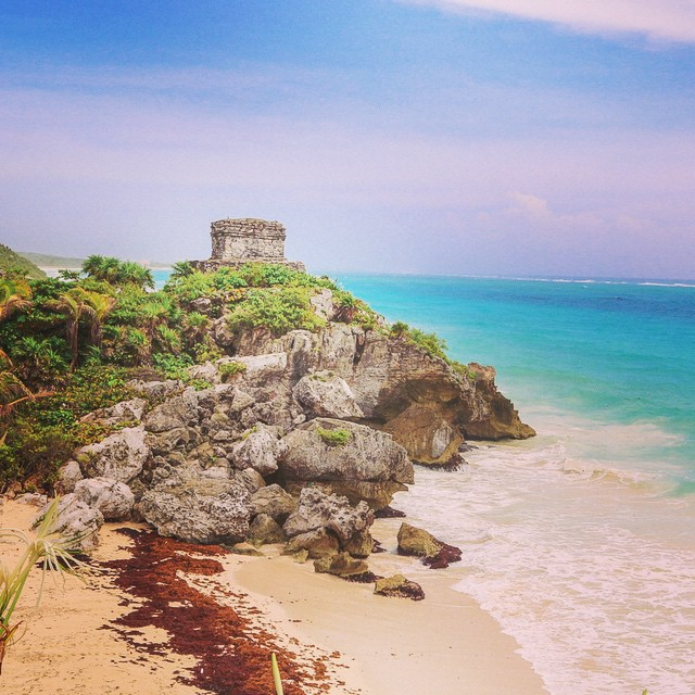 The beachside Mayan ruins of Tulum, Mexico. ?@cancuncvb  #canyoucancun #travel #ruins #mexico #beaches #tulum