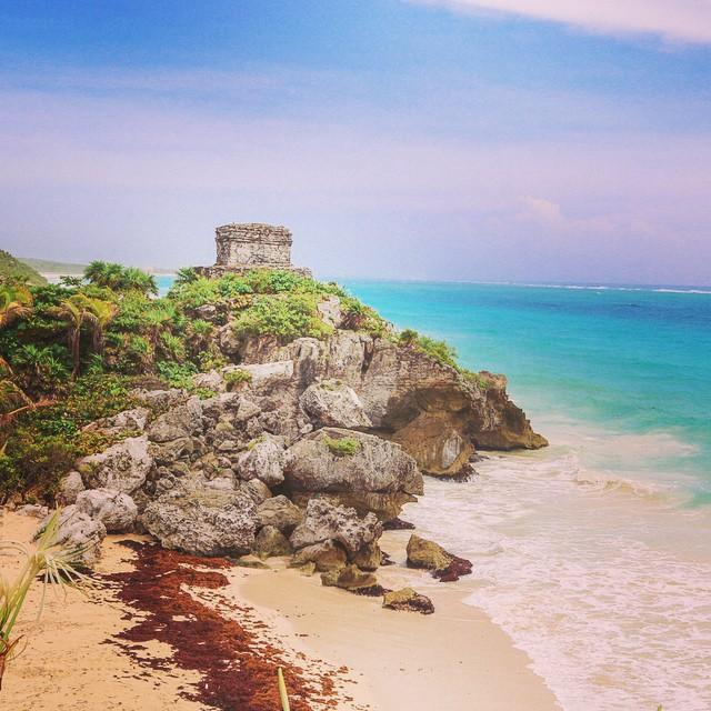 The beachside Mayan ruins of Tulum, Mexico. ?@cancuncvb  #canyoucancun #travel #ruins #mexico #beaches #tulum
